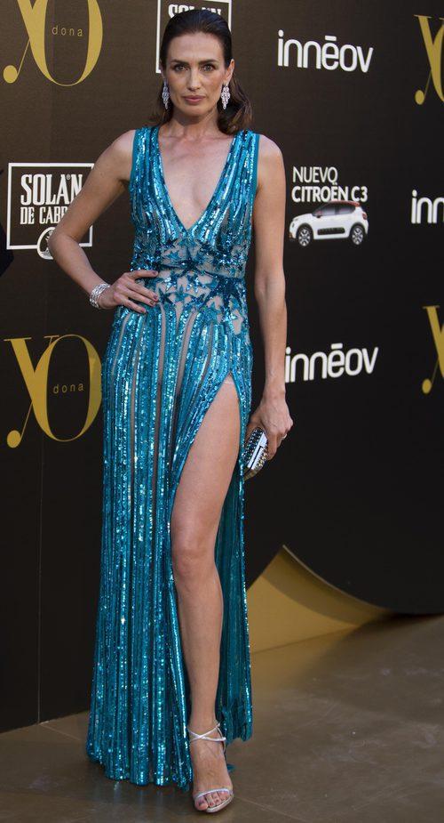 Nieves Alvarez con un vestido brillante de Elie Saab