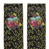 Calcetines negros con estampado verde neón de la colección colaborativa 'ASOS x MTV'