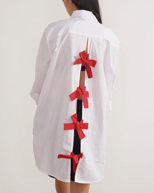 Camisa con lazos en la espalda de la colección de Hello Kitty para Lazy Oaf