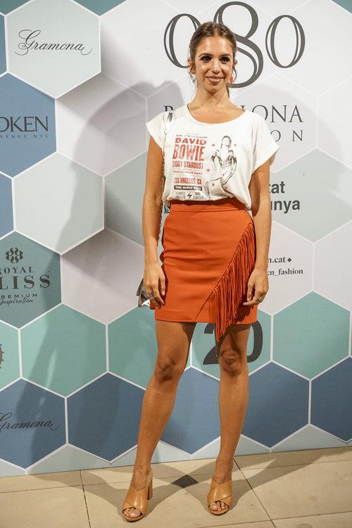 Elena Furiase con look en tonos naranjas