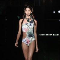 Bañador tropical de la colección 'Camino hacia el sol' de Guillermina Baeza en la 20 edición de la 080 Barcelona