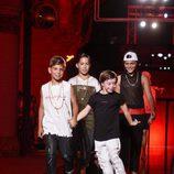 Niños en el desfile de AmorAmargo en la 20 edición de la pasarela 080 de Barcelona