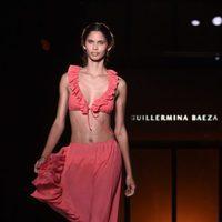 Bikini y falda con volantes de la colección 'Camino hacia el sol' de Guillermina Baeza en la 20 edición de la 080 Barcelona