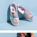 Vans con hojas y pinturas diseñadas por Marc Jacobs