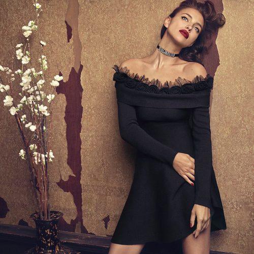Irina Shayk con vestido negro de Blumarine para la campaña otoño/invierno 2017/2018