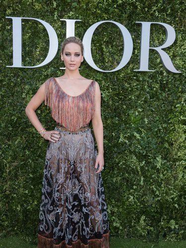 Jennifer Lawrence con un top de flecos