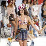 Falda vaquera con botones de Desigual de la Fashion Week de Ibiza 2017
