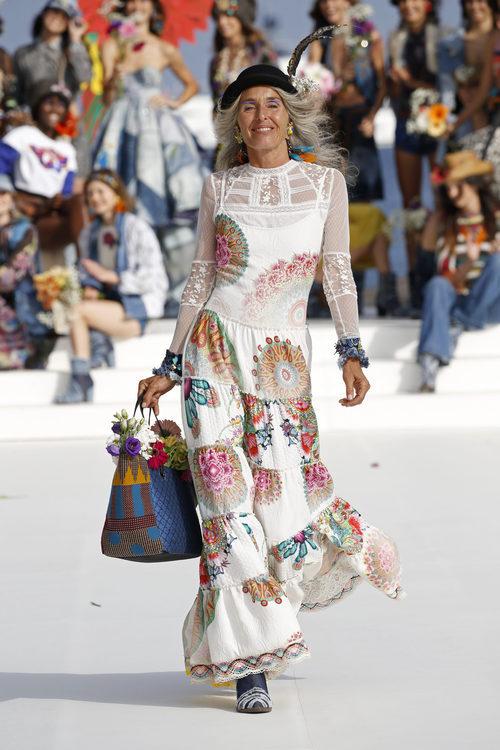 Vestido blanco estampado de Desigual de la Fashion Week de Ibiza 2017