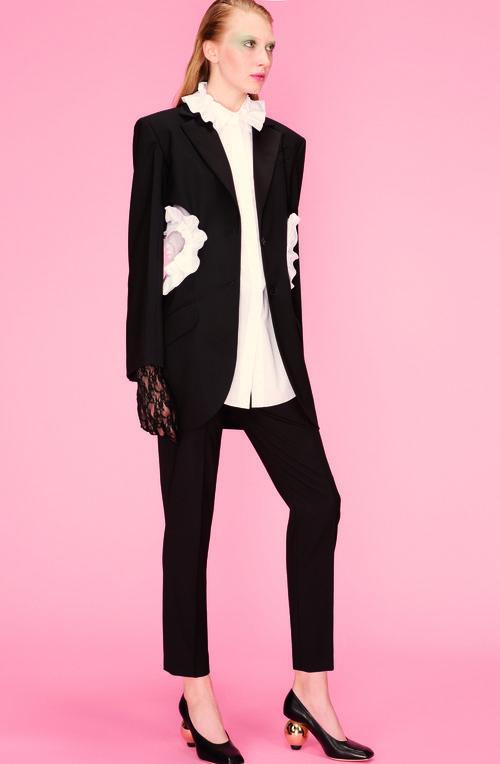 Traje de chaqueta de la colección primavera 2018 de Nina Ricci