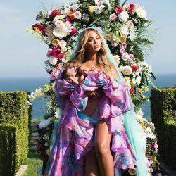 Beyoncé presenta a sus bebés vestida de Palomo Spain