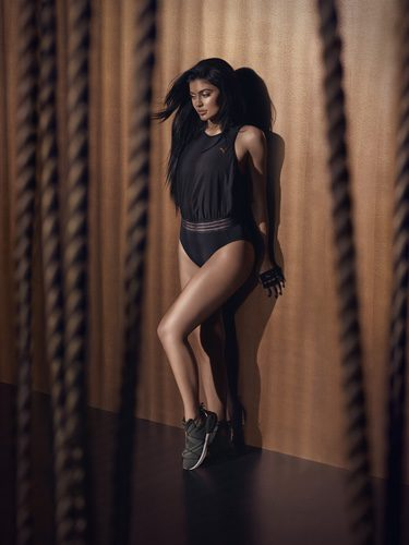 Kylie Jenner con body deportivo de la 'Velvet Rope Collection' de Puma