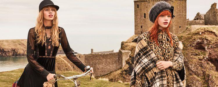 Stella Maxwell y Stella Lucia con estampado leopardo de la campaña 'On the road' de Twinset