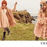 Stella Maxwell y Stella Lucia con total look rosa de la campaña 'On the road' de Twinset