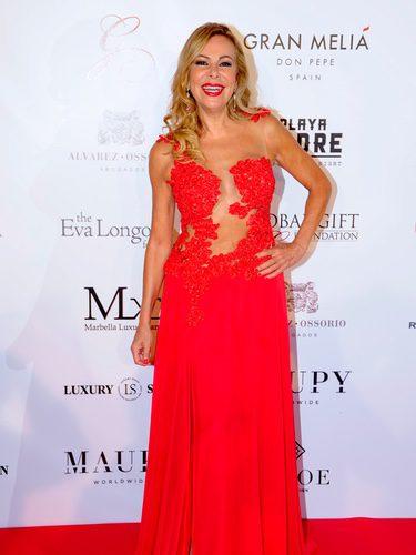 Ana Obregón con un vestido rojo de Alejandro Resta