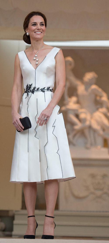 Kate Middleton con un diseño de Gosia Baczynska