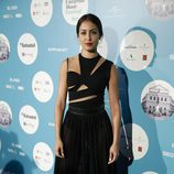 Hiba Abouk con un body con cut outs