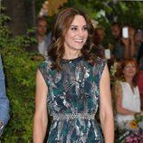 Kate Middleton con vestido con estampado de pájaros