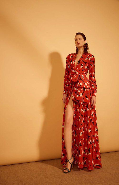 Vestido de estampado floral con aberturas de la colección 'Heaven' de Dolores Promesas