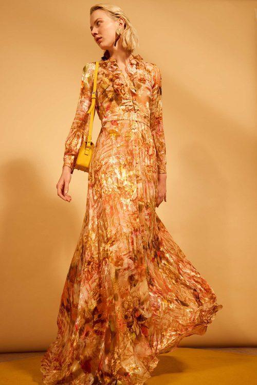 Vestido con estampado floral naranja de la colección 'Heaven' de Dolores Promesas