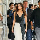 Selena Gomez apuesta por el black and white