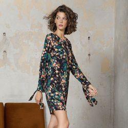 Vestido con estampado floral de la colección otoño/invierno 2017 de Trucco