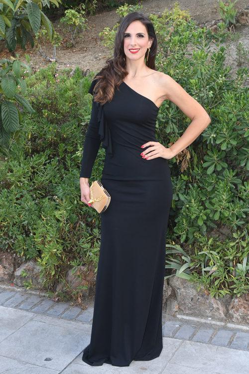 Nuria Fergó con un vestido largo negro