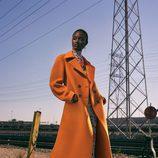 Abrigo oversize naranja de la colección prefall de Zara