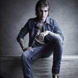 Gabriel Kane Day-Lewis con un conjunto vaquero para la colección otoño 2017 de Hudson Los Angeles