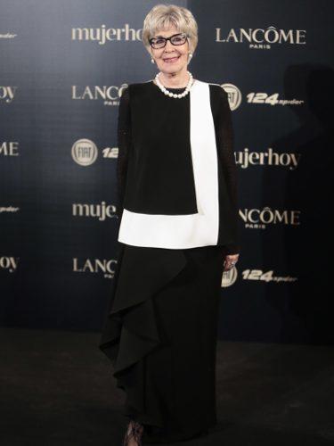 Concha Velasco con un look bicolor en los Premios Mujer Hoy 2017