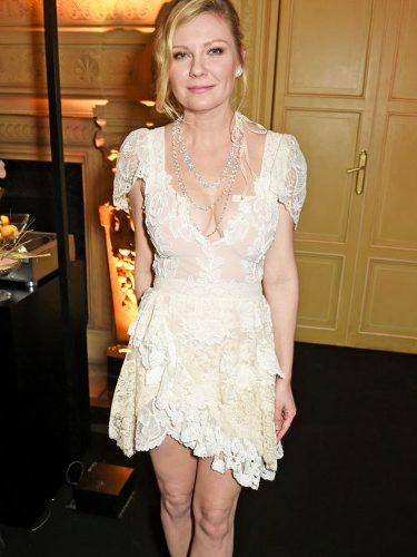 Kirsten Dunst con un look vintage en la fiesta de Chopard de la Paris Fashion Week