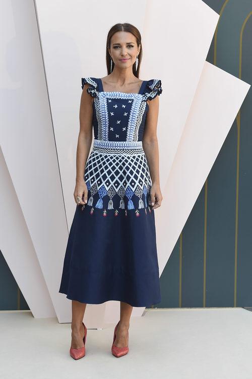 Paula Echevarría en la presentación de 'Velvet Colección' en el FesTVal 2017 con un vestido de Temperley London