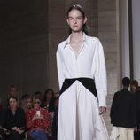 Total look bicolor de Victoria Beckham primavera/verano 2018 en la New York Fashion Week