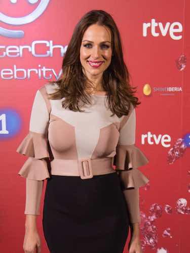 Eva González con su primer look premamá en la presentación de 'Masterchef Celebrity 2'