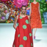 Vestido de lunares de Ágatha Ruíz de la Prada primavera/verano 2018 en la Madrid Fashion Week