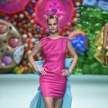 Vestido con cola de Ágatha Ruíz de la Prada primavera/verano 2018 en la Madrid Fashion Week