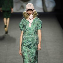Vestido verde estampado de Ana Locking primavera/verano 2018 para Madrid Fashion Week