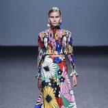 Falda y blusa de flores de María Escoté primavera/verano 2018 para Madrid Fashion Week