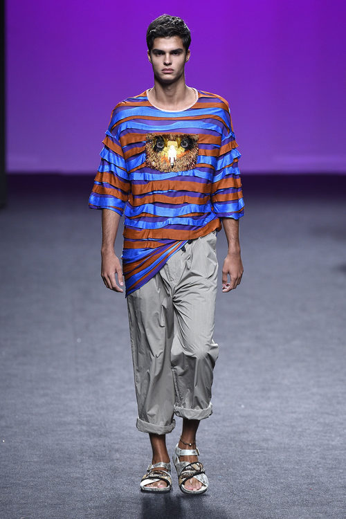 Camiseta estampada de Custo Barcelona primavera/verano 2018 en la Madrid Fashion Week