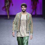 Bermudas verdes de Custo Barcelona primavera/verano 2018 en la Madrid Fashion Week