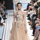 Vestido de tul nude de Jorge Vázquez primavera/verano 2018 en la Madrid Fashion Week