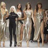 Claudia Schiffer, Donatella Versace, Naomi Campbell, Cindy Crawford y Helena Christensen en la Milan Fashion Week primavera/verano 2018