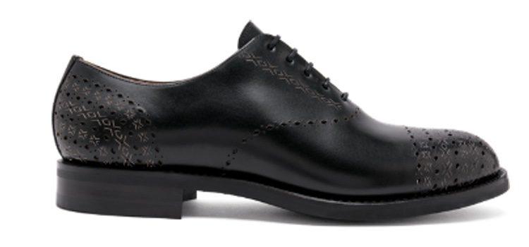 Zapato negro de la nueva colección de Cartujano 'Híspalis' de otoño/invierno 2017/2018