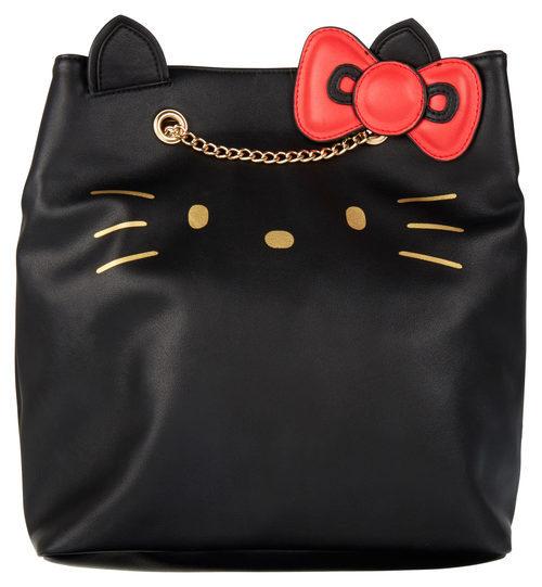 Bolso negro con cadena de la colección de Hello Kitty para Asos de otoño/invierno 2017/2018