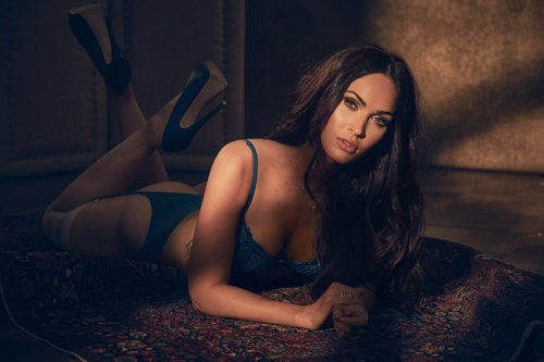 Megan Fox posa muy sexy en lencería para la colección de otoño 2017 de Frederick's of Hollywood
