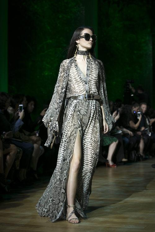 Vestido animal print de Elie Saab primavera/verano 2018 en la París Fashion Week