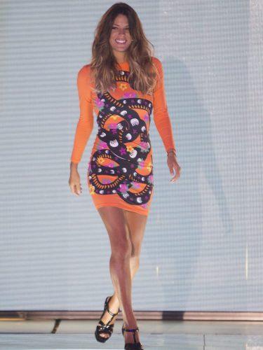 Laura Matamoros con un vestido de María Escoté en el debate final de 'Supervivientes'