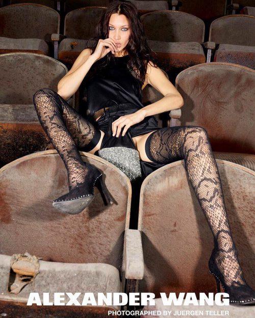 Bella Hadid muy sensual en la campaña otoño 2017 de Alexander Wang