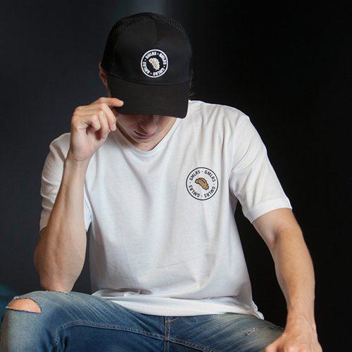 Gorra de color negro de la propia colección de Gemeliers