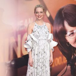 Emma Stone con un vestido de Louis Vuitton en el estreno de 'Battle of the Sexes' en Londres