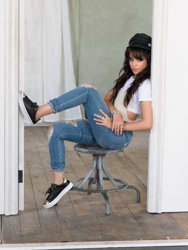 Camila Cabello grabando la campaña de Skechers como nueva embajadora de la firma
